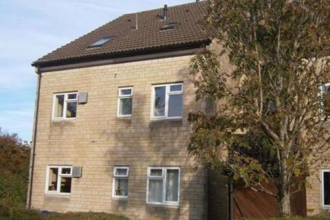 2 bedroom property to rent - Charter Road, Chippenham