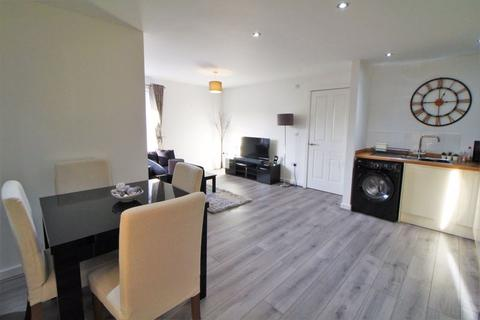 2 bedroom apartment for sale - Milner Road, Heswall