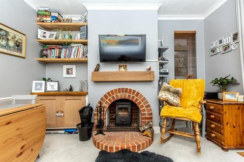 2 bedroom ground floor flat for sale - Chesham Close, Goring By Sea, West Sussex, BN12 4BJ