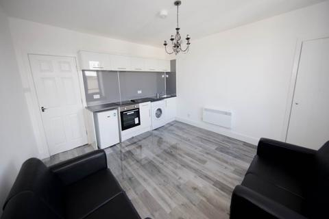 2 bedroom flat to rent - Strathmore Avenue, Dundee,