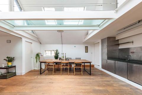 2 bedroom apartment to rent - Ship & Mermaid Row, London