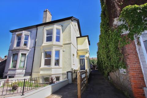 2 bedroom apartment - London Road