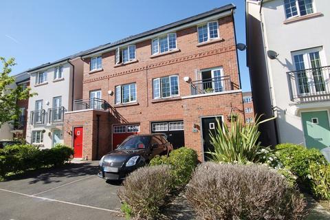 4 bedroom semi-detached house for sale - Monks Place, Warrington, WA2