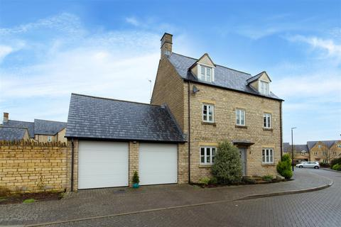 5 bedroom detached house for sale - Beecham Close - Cirencester - GL7