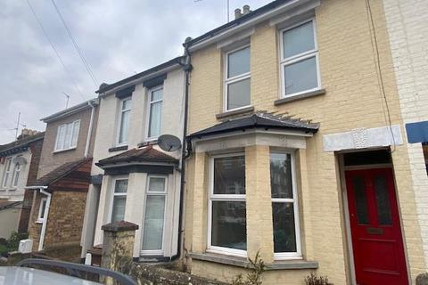 3 bedroom terraced house to rent - Cecil Road, Rochester, Kent