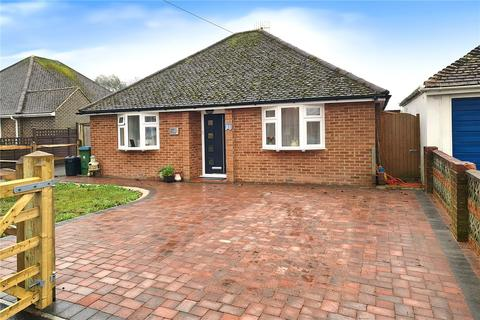 2 bedroom bungalow for sale - Old Manor Road, Rustington, West Sussex