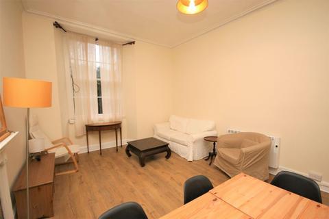 1 bedroom flat to rent - Bellevue Crescent