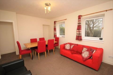 3 bedroom flat to rent - West Pilton Grove, Edinburgh