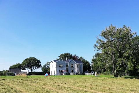5 bedroom property with land for sale - Llandissilio, Clynderwen