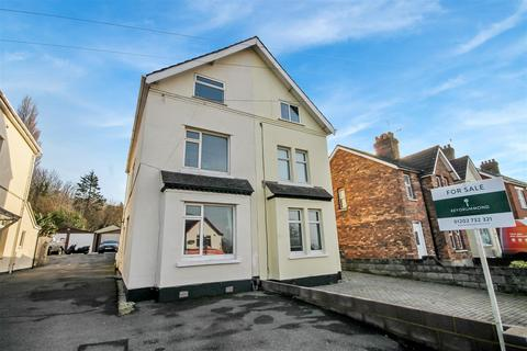3 bedroom semi-detached house for sale - Ringwood Road, Poole