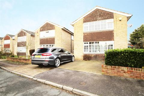 3 bedroom detached house - Leacroft Close, West Drayton