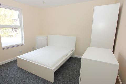 1 bedroom property - Adelaide Street, Luton