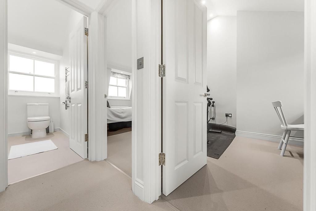 Hallway (4).jpg