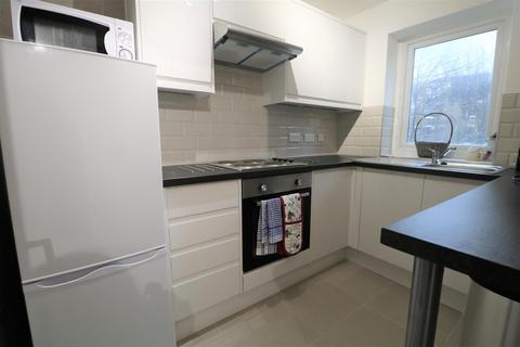 1 bedroom property to rent - The Drive, Hove