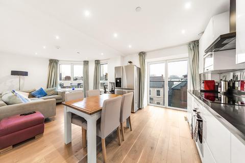 2 bedroom flat for sale - St. Luke's Avenue, SW4