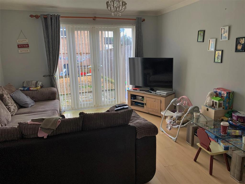 2 Sherington Mead, Chippenham   Sitting Room2.jpg