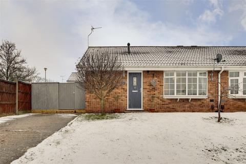2 bedroom semi-detached bungalow for sale - York Close, Gedling, Nottinghamshire, NG4 4WD