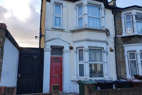 1 bedroom flat - Westerham Road, Leyton, London. E10