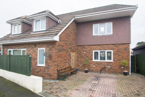 3 bedroom detached house for sale - Orchard Close, Whitfield, CT16