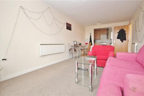 2 bedroom apartment to rent - Azalea House, High Street, Feltham, TW13