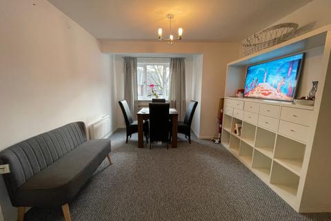 1 bedroom flat to rent - Emerald Close, London E16