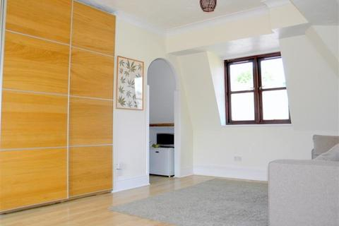 Studio to rent - Milton Road,, London