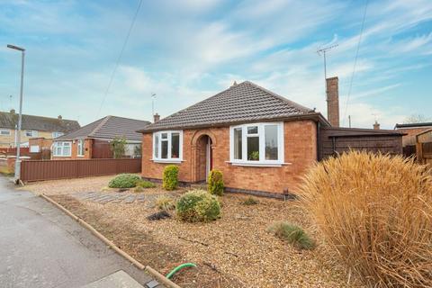 2 bedroom detached bungalow for sale - Stuart Road, Market Harborough