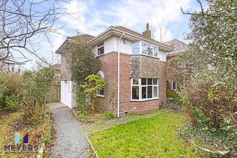 3 bedroom detached house for sale - Holdenhurst Avenue, Boscombe East, BH7