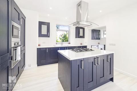 3 bedroom detached house for sale - Holdenhurst Avenue, Boscombe East, BH7