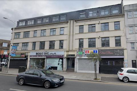 Property to rent - High Road, Ilford