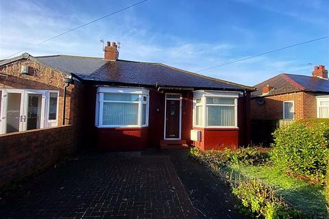 3 bedroom semi-detached bungalow for sale - Oaktree Avenue, Walkerville, Newcastle Upon Tyne, NE6