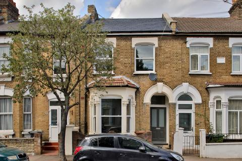 2 bedroom flat for sale - Ferndale Road, Leytonstone, E11