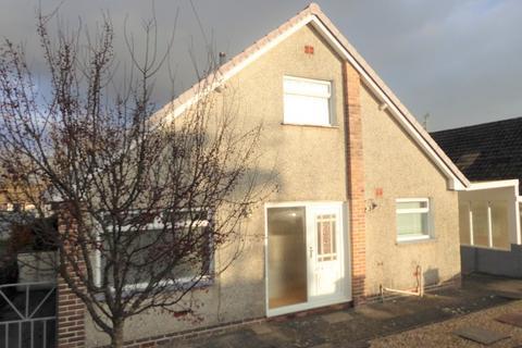 3 bedroom detached bungalow for sale - Graham Avenue, Pen-y-fai, Bridgend, Bridgend County. CF31 4NP