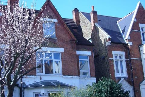 2 bedroom flat to rent - Romola Road, London SE24
