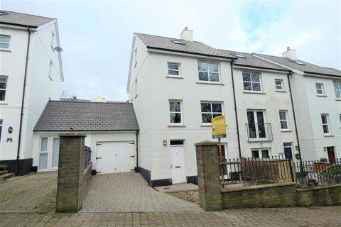 3 bedroom townhouse for sale - Kensington Gardens, Haverfordwest