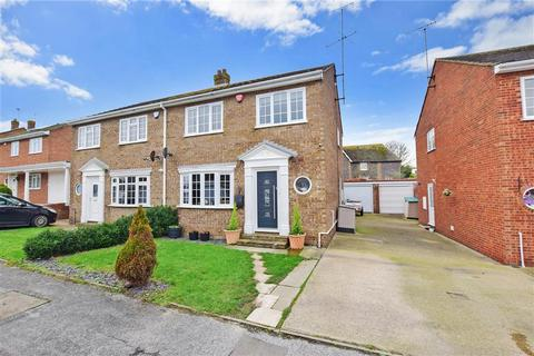 3 bedroom semi-detached house - Weatherly Drive, Broadstairs, Kent
