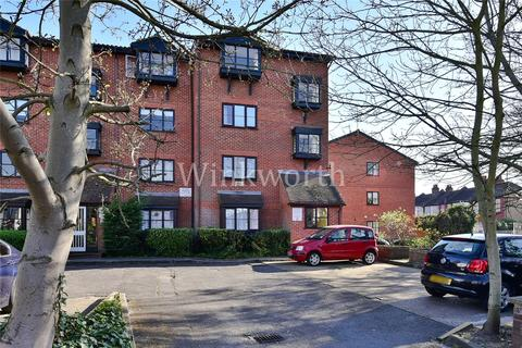 1 bedroom parking to rent - St Ann`s Road, London, N15