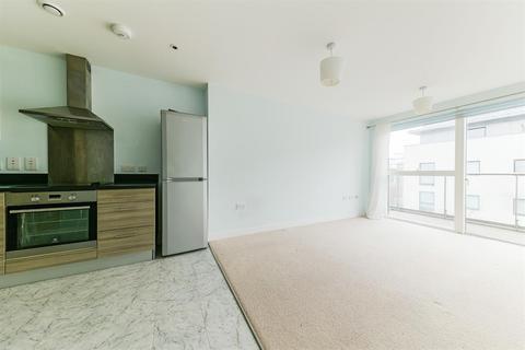 1 bedroom flat for sale - Pump House Crescent, Brentford, TW8