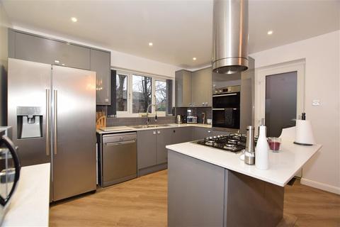3 bedroom detached house - St. Peters Road, Broadstairs, Kent