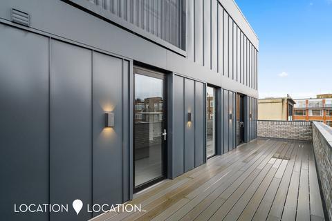 3 bedroom flat for sale - Shore Road, London Fields, E9