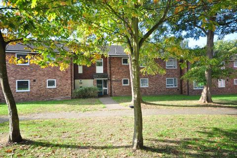 2 bedroom flat to rent - Luton Road Chatham ME4