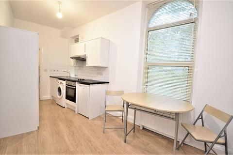 Flat to rent - Rochester Place, Camden NW1 9EF
