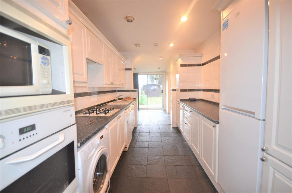5 Bed Semi Detached House to Rent