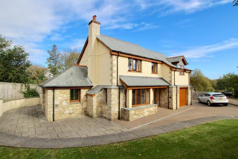4 bedroom detached house to rent - Godolphin Cross