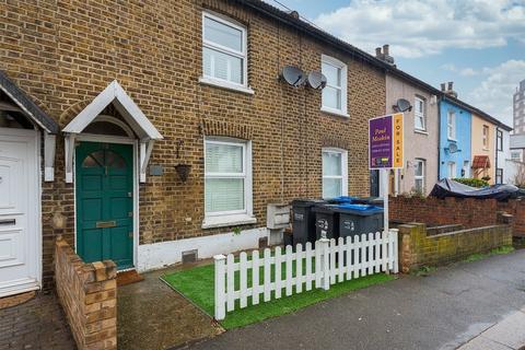 2 bedroom terraced house for sale - Cross Road, Croydon