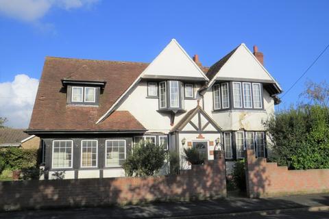 4 bedroom house for sale - Chewton Way