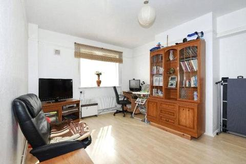 1 bedroom apartment - Swinburne Court, Basingdon Way, SE5