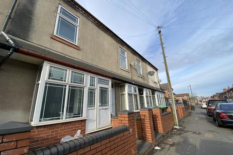 3 bedroom terraced house to rent - Montague Road, Smethwick, Birmingham