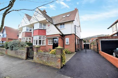 5 bedroom semi-detached house for sale - Holbeck Hill, Scarborough