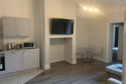 3 bedroom apartment to rent - Mayfair Road, Jesmond